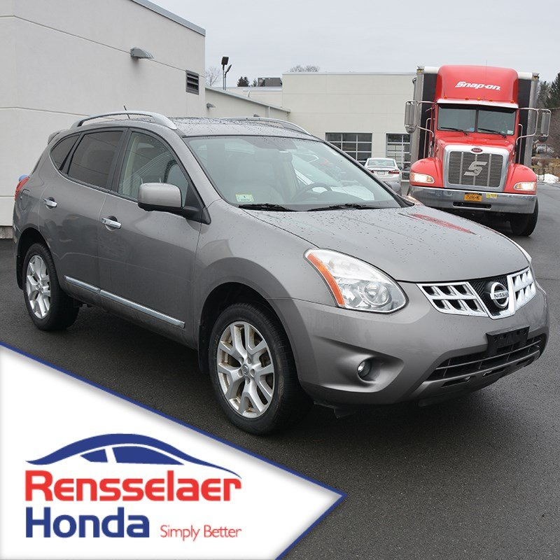 Pre-Owned 2012 Nissan Rogue SL